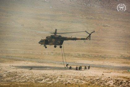 Afghan soldiers in Afghan armed training.  Ministry of Defense of Afghanistan