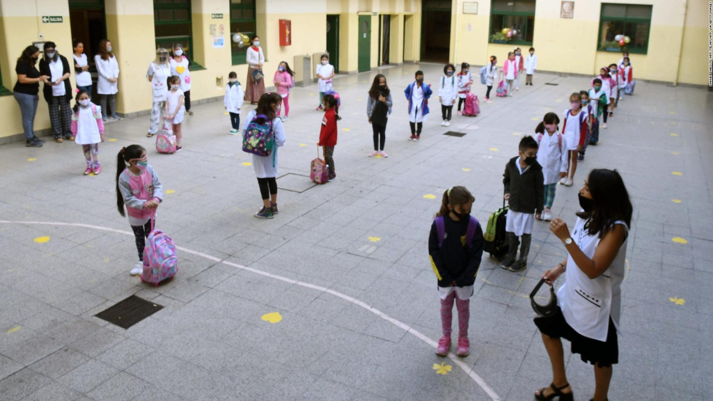 Schools in Argentina are facing the second wave