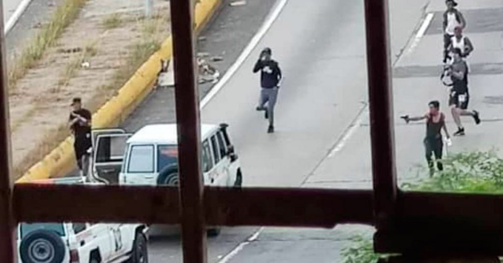 A violent confrontation between criminals and agents of Chavez's forces in Caracas