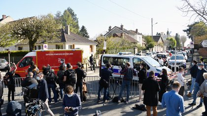 The attack in Rambouillet, a wealthy and usually calm city 60 kilometers from Paris, raised alarms in a country regularly attacked by Islamists (AFP)