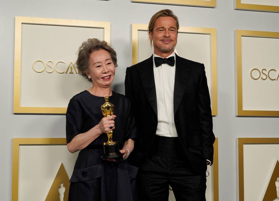 Praise for Brad Pitt from a South Korean Actress, Glenn Close Dance, and Other Oscars Moments |  Cinema |  entertainment