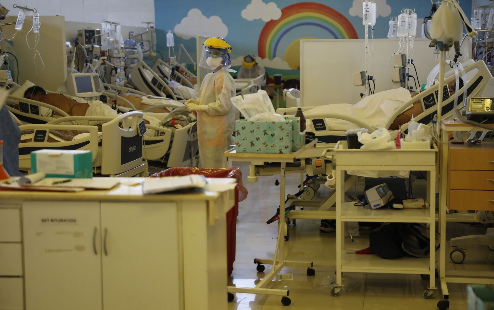 Where the pediatric ward used to be operating, more intensive care beds have now been organized in Domingo Angio Municipal Hospital, by Jose C. Paz.
