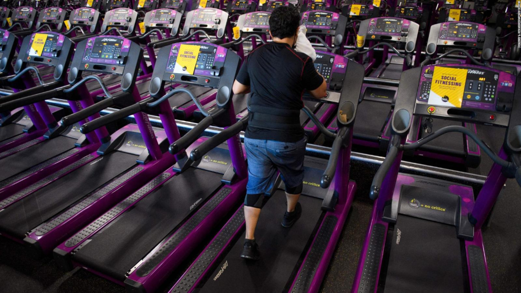 The study says that physical exercise reduces the risk of developing COVID-19