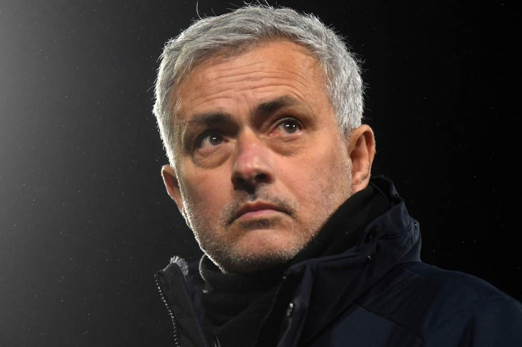 Surprise: Tottenham made a difficult decision and fired Jose Mourinho, who would collect scandalous settlement - ten