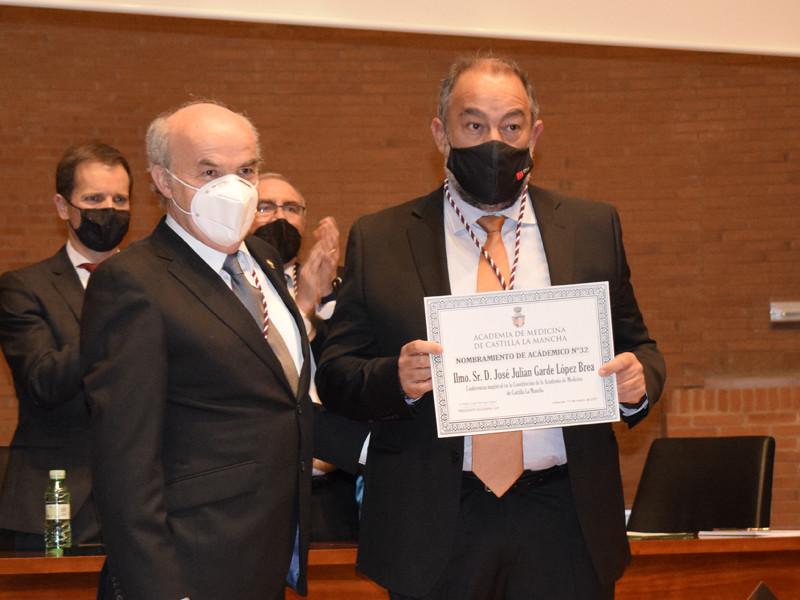 Veterinarian Julián Garde attended the Castilla-La Mancha Academy of Medicine