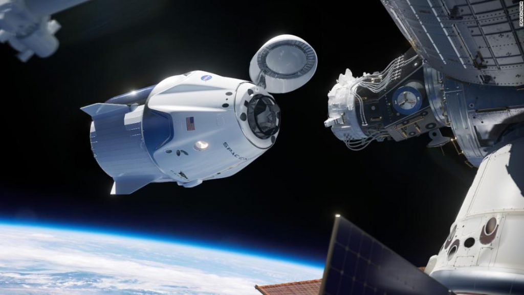 (Video) A spacecraft carrying 4 astronauts almost exposed to an unknown flying object - Diario La Pagina