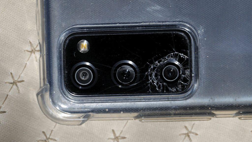 Demandan a Samsung por un defecto de diseño en sus teléfonos de la serie Galaxy S20