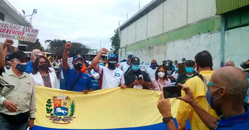 Venezuelan workers demand good pay from the Maduro regime and a massive vaccination against COVID-19