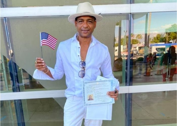 Descemer Bueno ciudadano americano