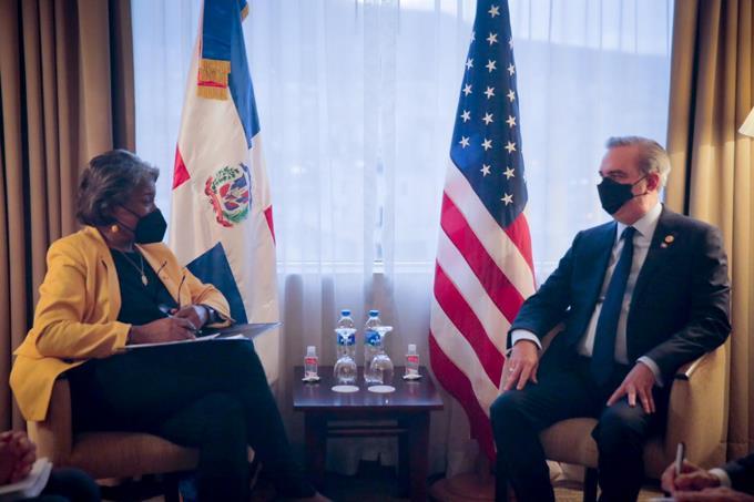 Abinader habla de corrupción, crimen trasnacional y Covid con embajadora de EEUU ante la ONU