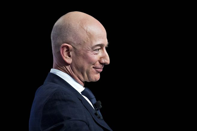 Bezos sold $ 2.4 billion of Amazon shares again this week