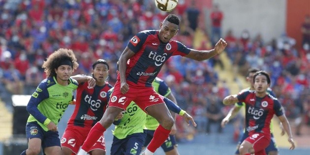 FAS won Santa Tecla on penalties and will contest the final against Alianza