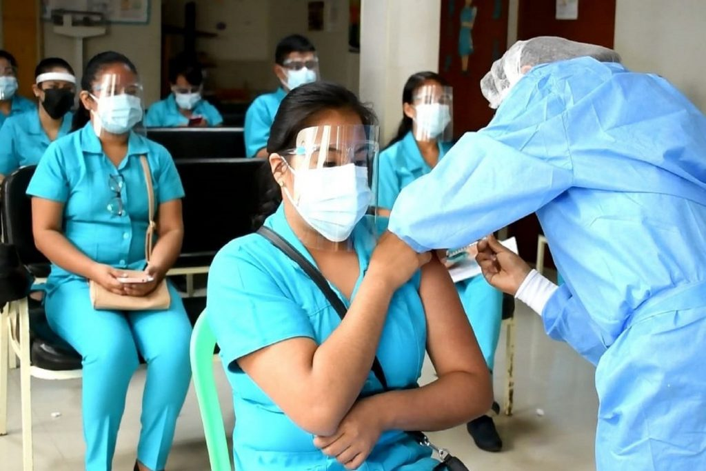 Hoy empieza la vacunación contra el covid-19 a estudiantes internos de ciencias de la salud en la región Lambayeque. Foto: Difusión
