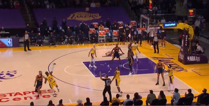 LeBron James gave the Lakers the win over the Warriors with a winning shot