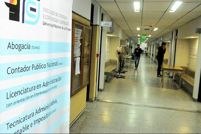 UNLPam: Convocan a cubrir cargos interinos en la Facultad de Ciencias Económicas y Jurídicas