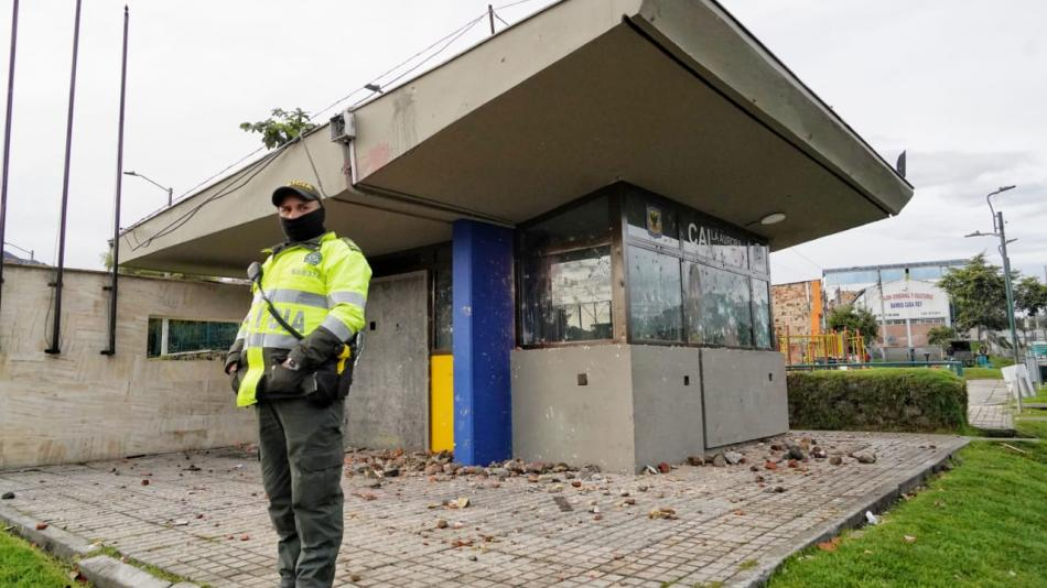 They tried to burn 10 policemen alive in La Aurora, Usme-Bogotá
