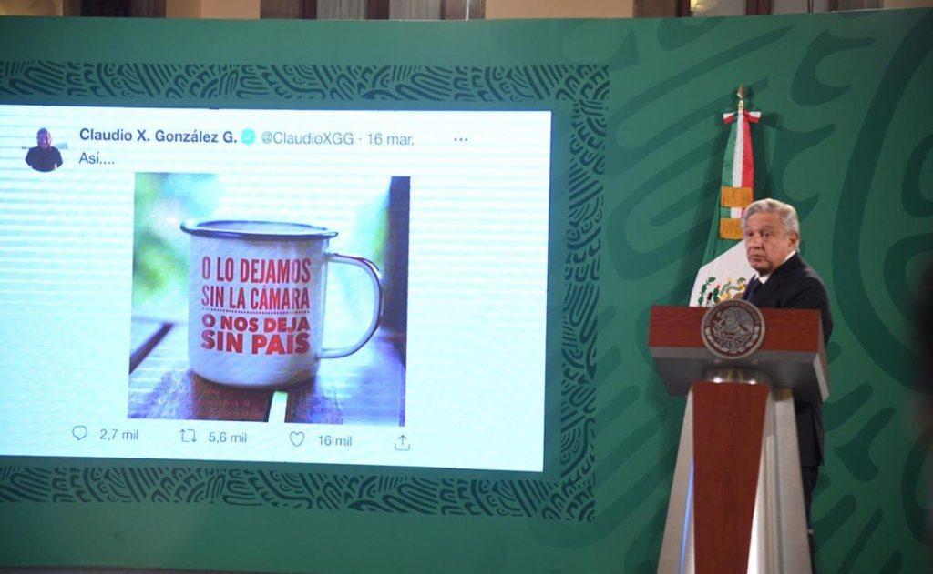 """AMLO: Financiamiento de EU a MCCI promueve el """"golpismo"""" y es """"traición a la patria"""""""
