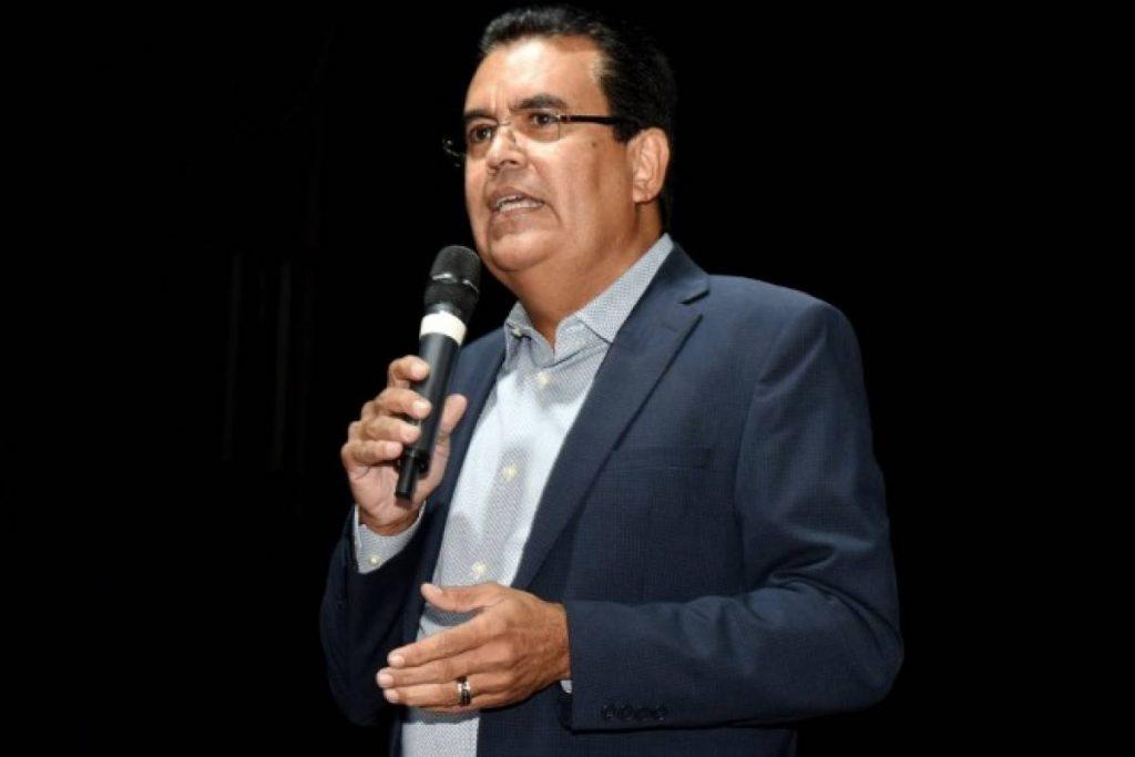 Mayor PNP Not Giving LUMA Six Months in Puerto Rico