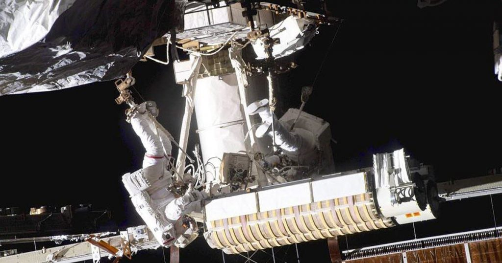 Sciences.  Thomas Pesquet returns to the International Space Station after his spacewalk