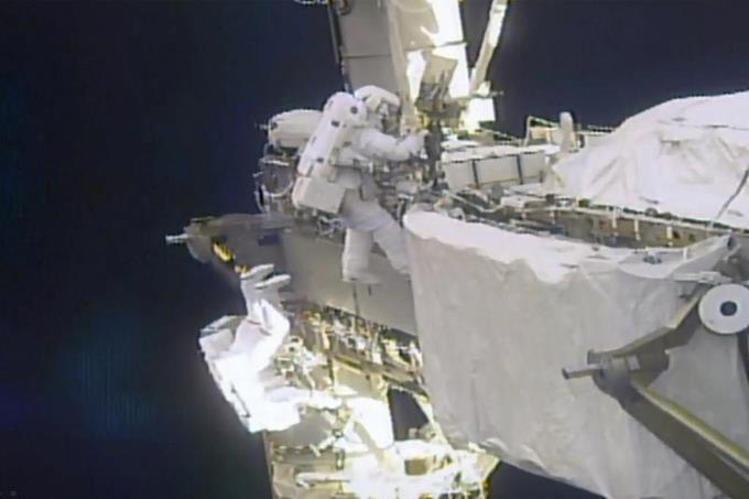 NASA busca forma de lavar ropa de astronautas