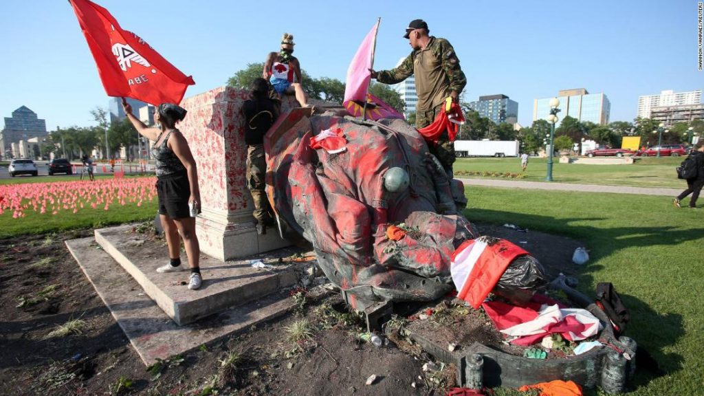Statues of Queen Victoria and Elizabeth demolished in Canadian protests