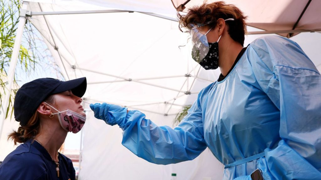 Covid-19: Los Angeles decides again mandatory mask due to increase in infections    Society