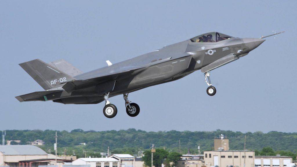 Casi el 15 % de la flota de F-35 de la Fuerza Aérea de EE.UU. está fuera de servicio por falta de motores