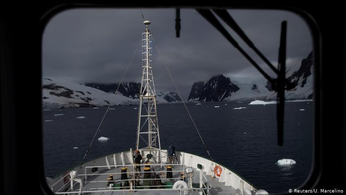 BG Antarctic Expedition Penguins (Reuters/Yu Marcelino)
