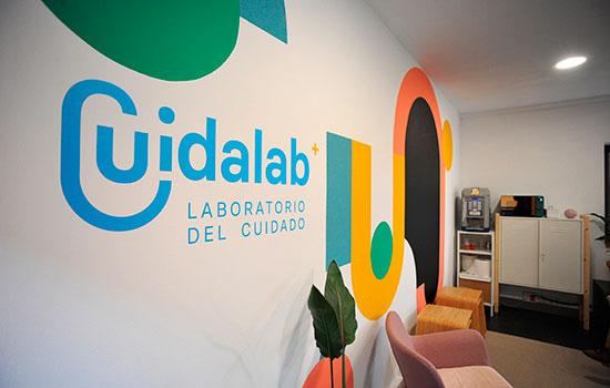 Geriatric care in Cuidalab laboratory area