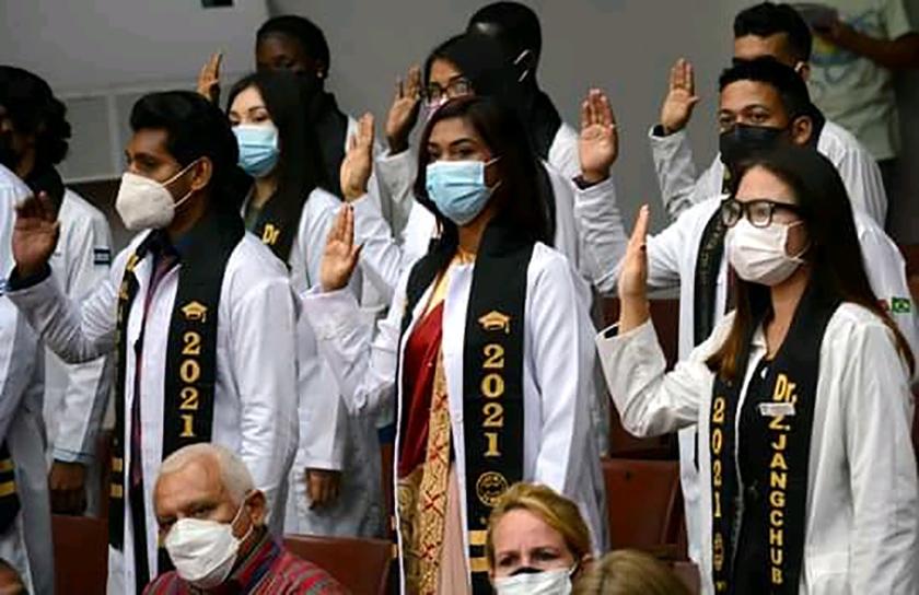 0-30-foreign-graduates-college-university-3.jpg