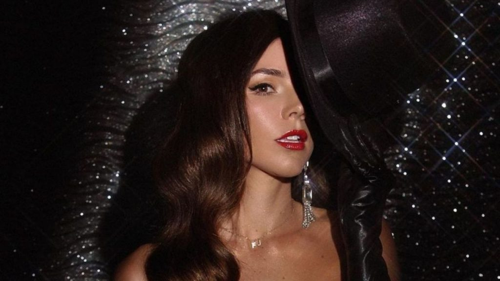 Beautiful: Camila Sodi shows off her beauty on social media التواصل