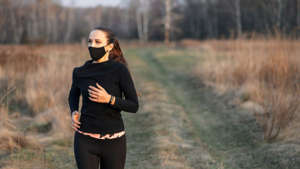 Have you already had or will receive the COVID-19 vaccine and are wondering if you can exercise?  Here we explain what the experts say about it.