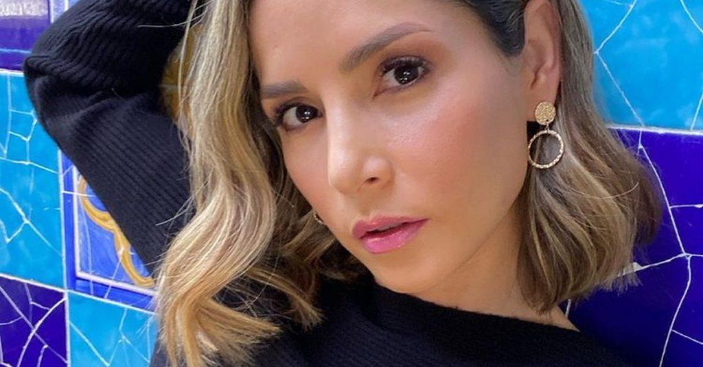 Why was Carmen Villalobos not chosen to star in 'Café con aroma de mujer'?