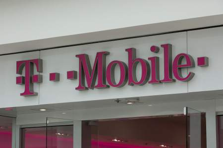 Hacking T-Mobile database and extracting data from 100 million customers