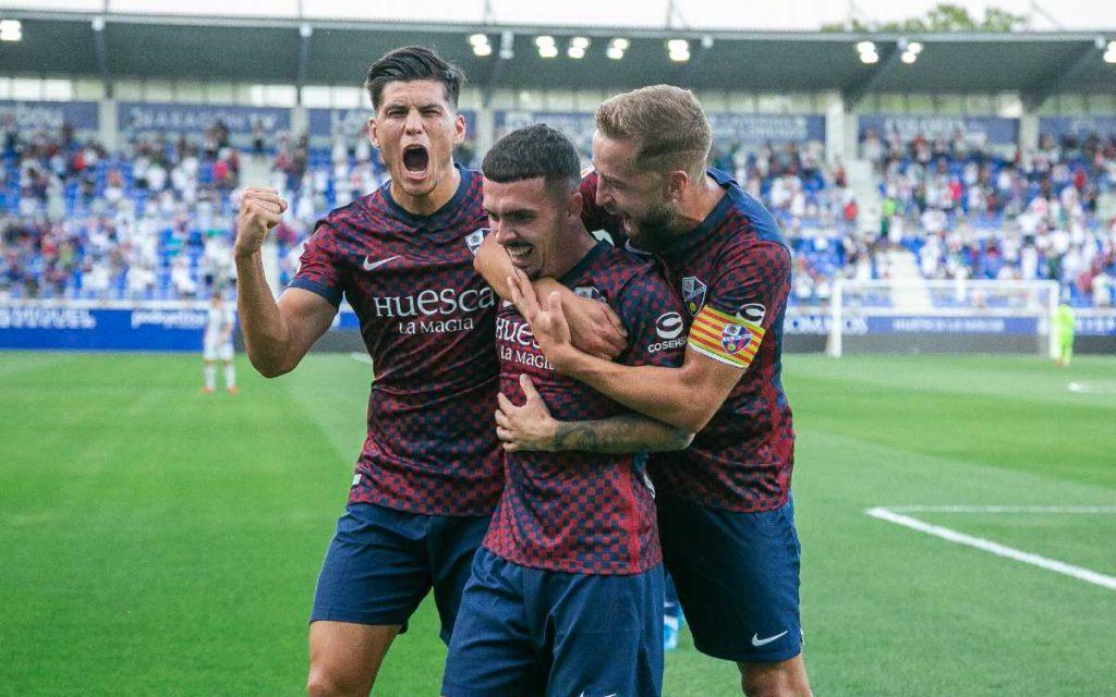 Huesca vs Eibar (2-0): Nacho Ambrez opened with victory in Spain