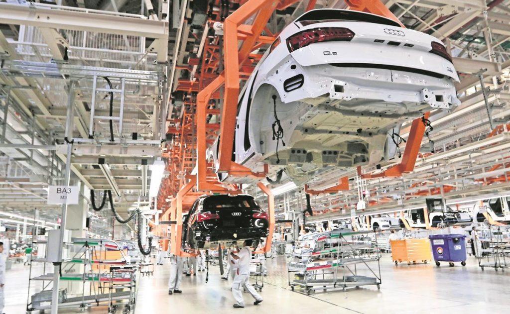 """México acciona """"consultas"""" del T-MEC contra EU por reglas de origen de autos"""