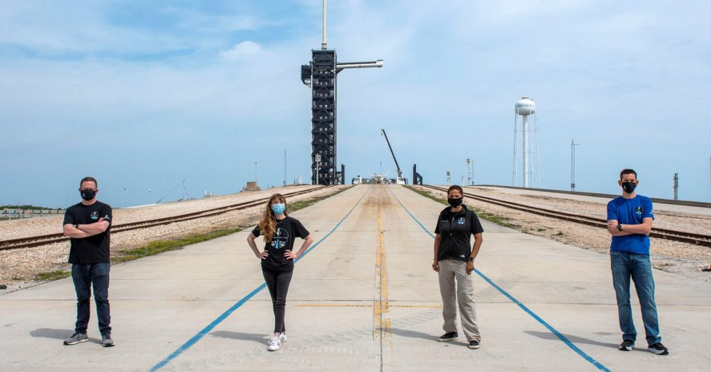 """Netflix will broadcast a """"virtually real-time"""" SpaceX mission that will take civilians into space"""