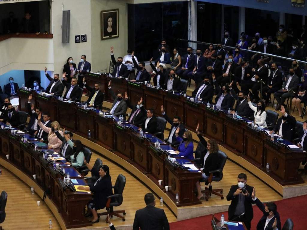 The relationship between the bank and the Salvador Assembly has deteriorated