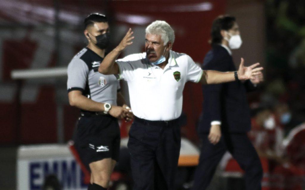 Tuca Ferretti explodes against refereeing in Juarez vs. America