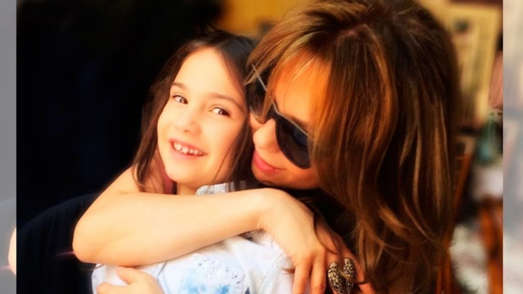 What is the name of the beautiful daughter of Thalia and what is her relationship with her mother?