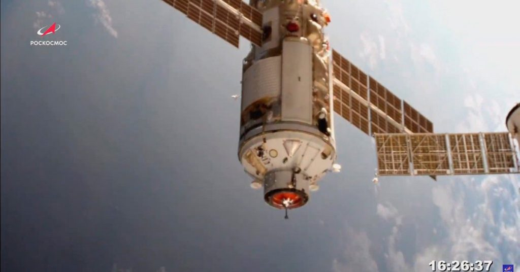 """Alert in Russia for technical problems in its sector of the International Space Station: """"It's in another"""""""