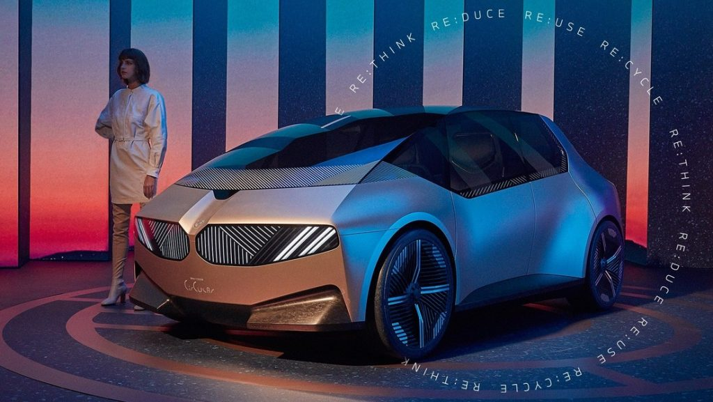 """BMW presenta el i Vision Circular, un auto ecológico, """"sostenible y de lujo"""", hecho con materiales reciclados (FOTOS, VIDEO)"""
