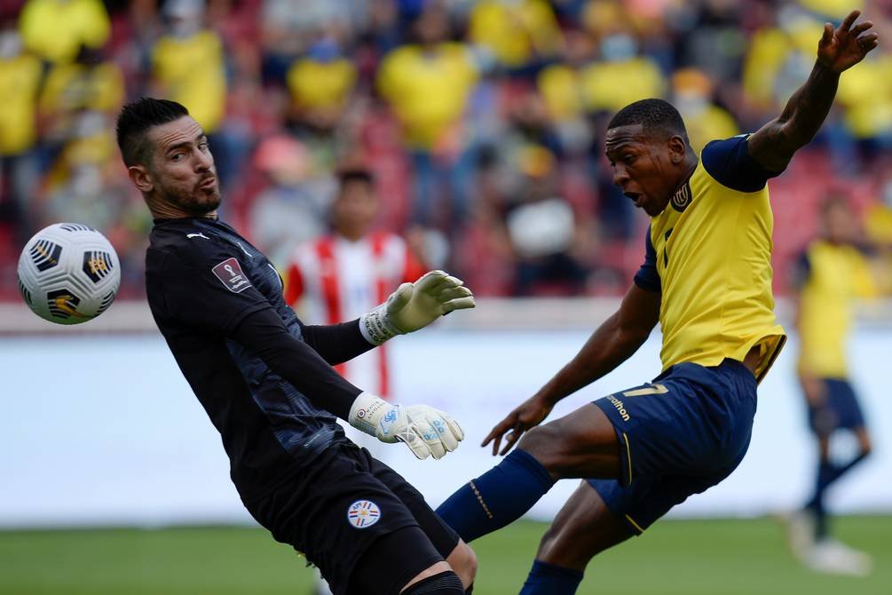 Ecuador puts Paraguay in trouble in Qatar 2022 qualifiers    football    Sports