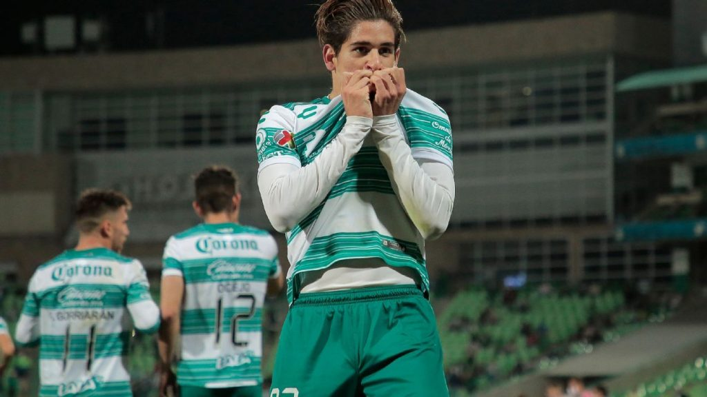 Santiago Muñoz arrives at Newcastle U23s