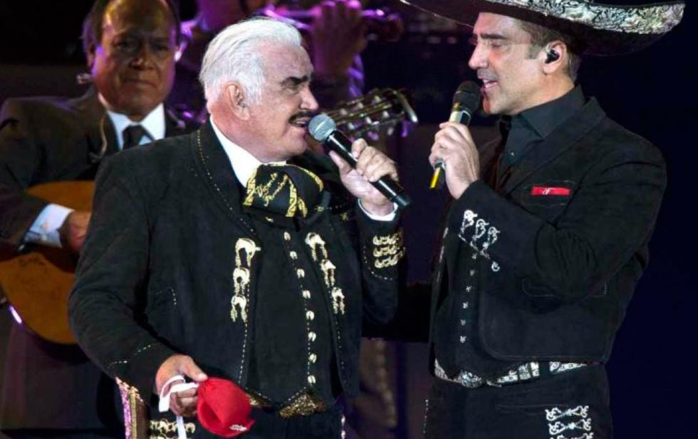 Vicente Fernandez asks him to be fired with this song