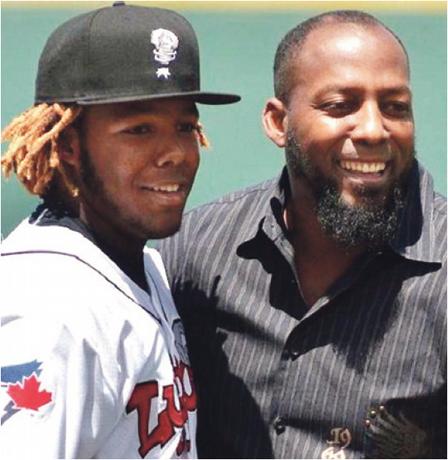 Hito. padre e hijo con 40