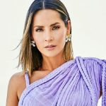 From the beach, Carmen Villalobos wows everyone with her toned physique