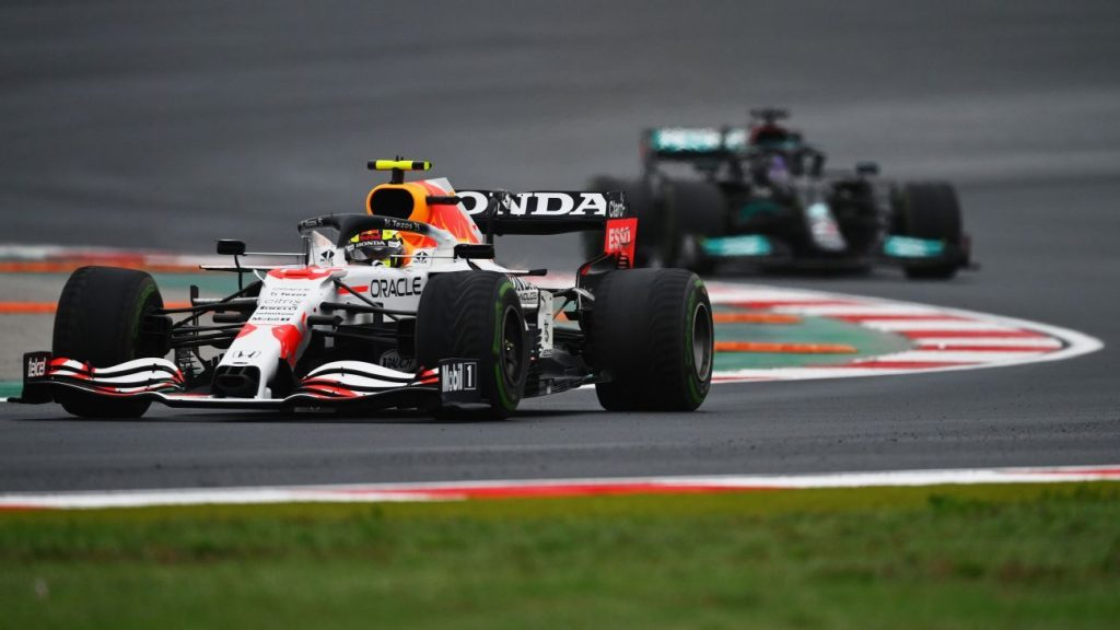 No one stopped only Hamilton... Checo Pérez and his heroic Turkish defense were a show of control