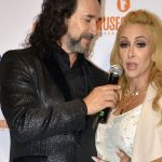 """On the verge of divorce?  After 28 years together, """"Al-Baqi"""" wife is a strong reveal on Azteca TV"""