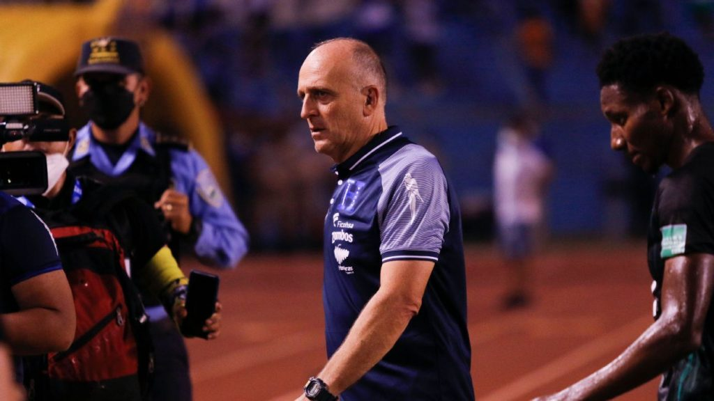 no more!  Fabian Quito has stopped being the coach of the Honduran national team